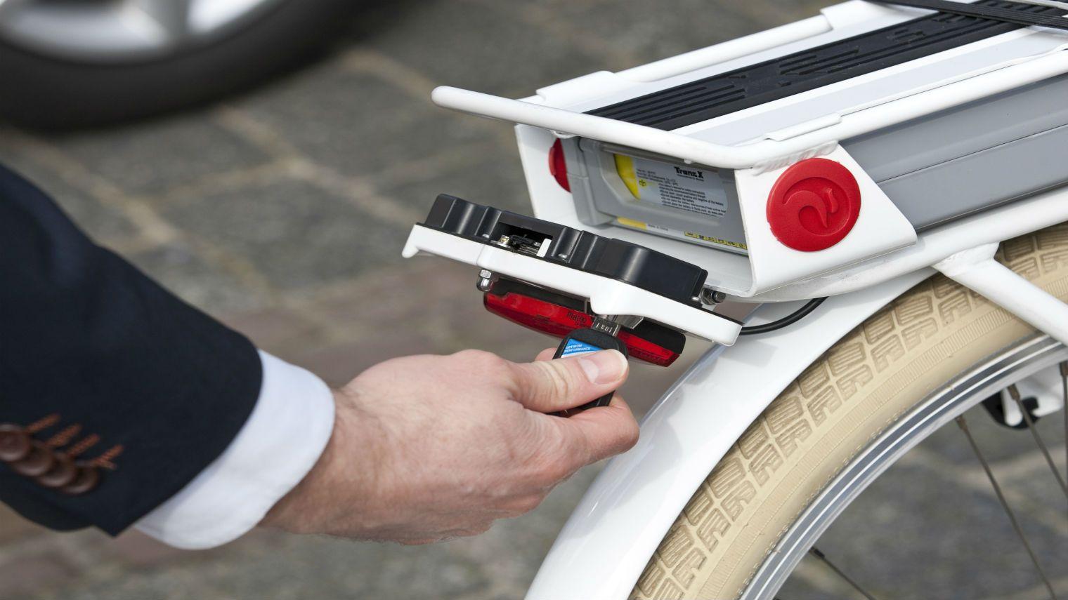 ANWB start onderzoek naar e-bike accu's