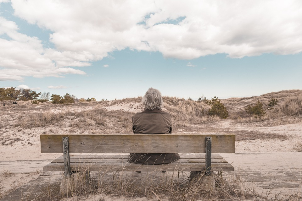 Hoe maken we mishandeling van ouderen bespreekbaar?