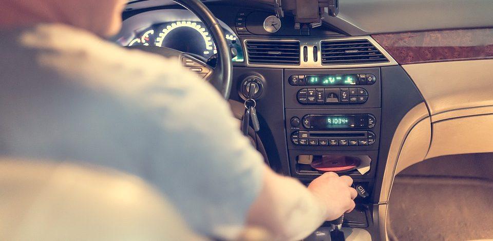 Multitasken achter het stuur, doe het niet!