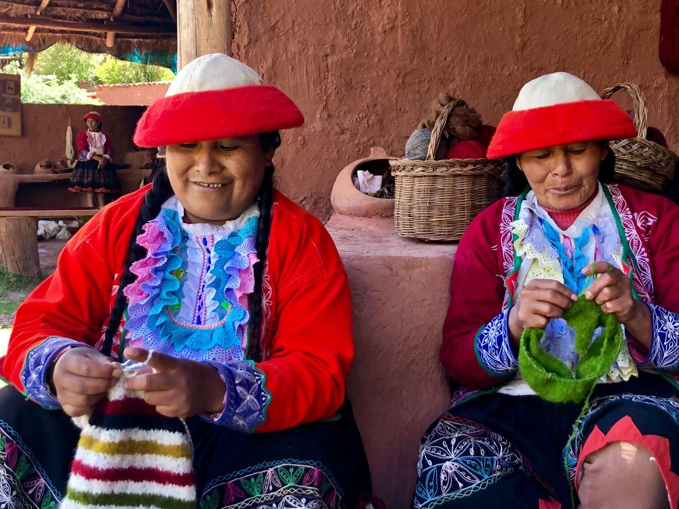 Marijke in Peru – Hoe maken ze die mutsen, shawls en truien nu eigenlijk?